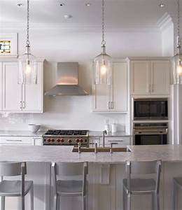 Glass pendant lights over kitchen island : Kitchen pendant lighting home decorating