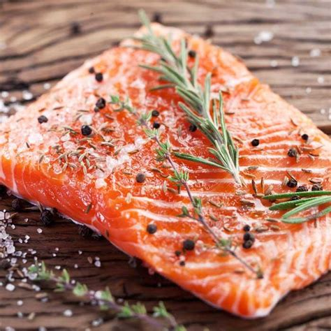 nutrition differences  farmed fish  wild fish shape