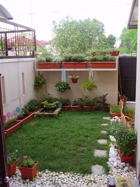 tip desain taman halaman samping sempit