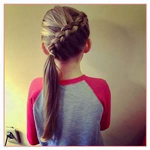 Coiffure Petite Fille Facile : coiffure facile fille cpmusy ~ Dallasstarsshop.com Idées de Décoration