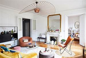 Un Appartamento Parigino E Una Giovane Famiglia