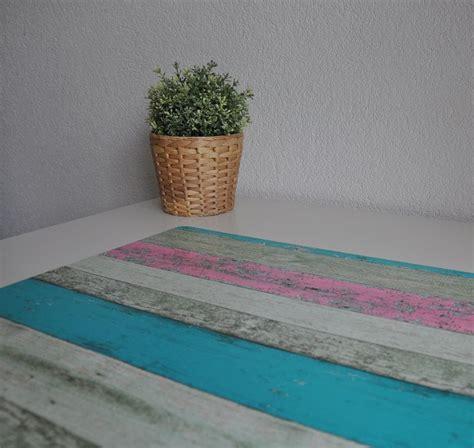 bureau onderlegger steigerhout roze en turquoise hippe