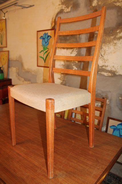 chaises suedoises série de six chaises scandinaves et leur table puces d 39 oc