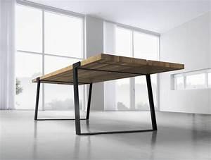 Esstisch Holz Metall Design : esstisch mit metallbeinen und massivholzplatte aus eichenholz ~ Buech-reservation.com Haus und Dekorationen