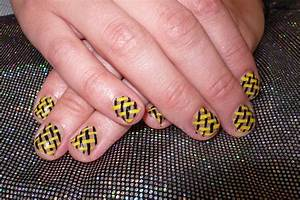 Nail design in the art of basket skin a mixing between