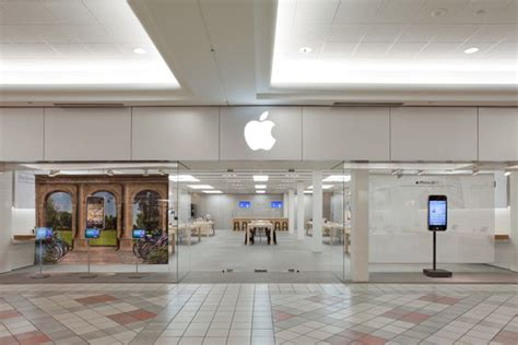 New Apple Store Coming To Chicago's South Loop?