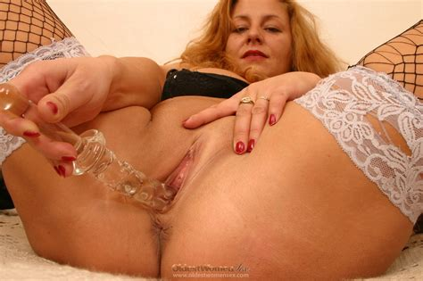 Voluptious Old Woman Shows Her Boobs Tight Pussy