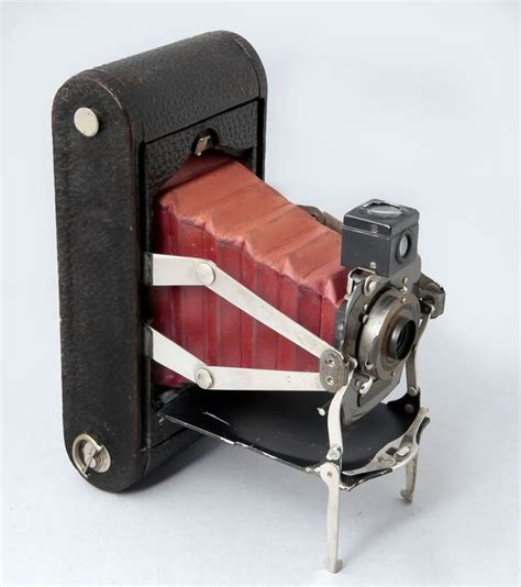 folding pocket kodak model   manufactered
