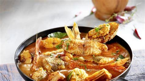 cuisiner le poisson recette bouillabaisse cuisiner baudroie lotte recette