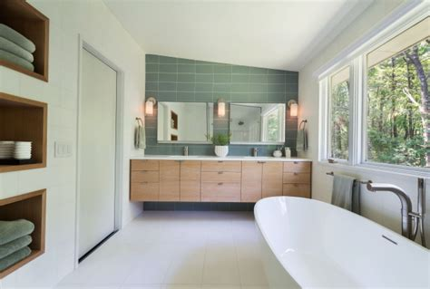 stunning mid century bathroom design