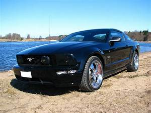 File:Ford-mustang-gt-2005-black.png - Wikimedia Commons