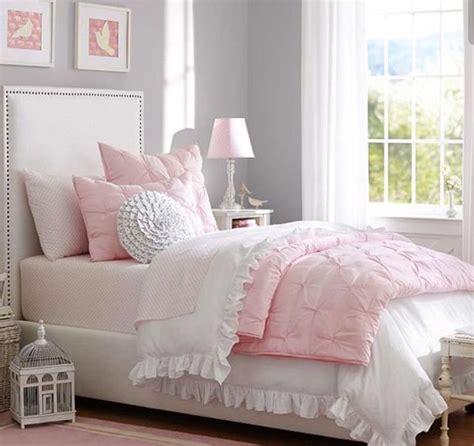 tableau chambre à coucher chambre à coucher fille lit tableau mural coussins