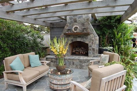 Awesome Freestanding Outdoor Fireplace Decorating Ideas With