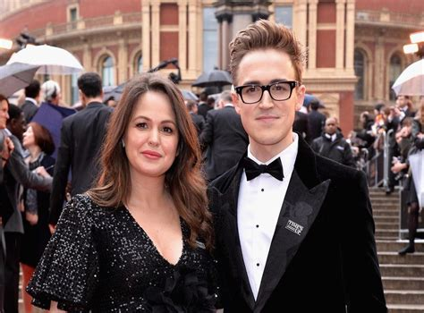 Giovanna Fletcher hits out at bodyshamers: 'Don't judge or ...
