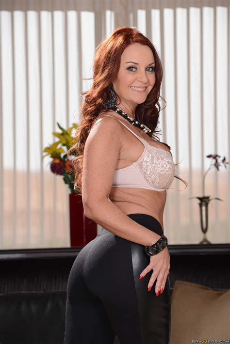 Red Haired Woman Has Nice Round Ass Photos Gracie Glam