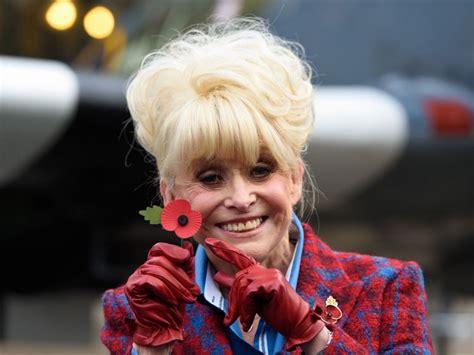 Dame Barbara Windsor identified with Alzheimer's ...