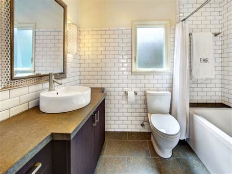 bathroom subway tile tips on choosing the white subway tile for bathroom