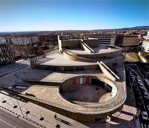 Grand Garage De Provence : 1000 images about vittorio gregotti on pinterest theater studios and aix en provence ~ Gottalentnigeria.com Avis de Voitures