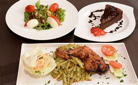 Dealdey  Exquisite 3course Meal  Petit Paris