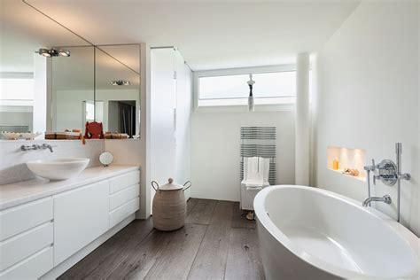 Holz Im Badezimmer So Wird Es Richtig Gepflegt by Holzboden Im Badezimmer Tipps Und Auswahl Wohn Journal