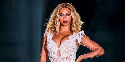 Everything That's Gone Wrong For Beyonce Onstage (videos