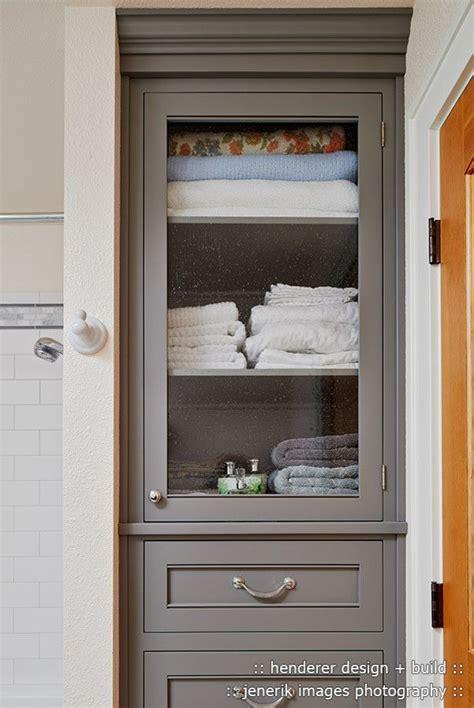 Ikea Linen Closet by Best 25 Bathroom Storage Cabinets Ideas On