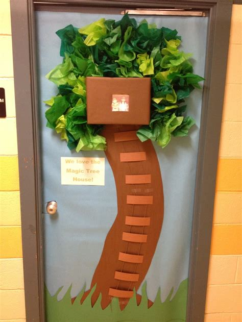 house door decoration awesome magic tree house door decoration classroom door decorations pinterest house