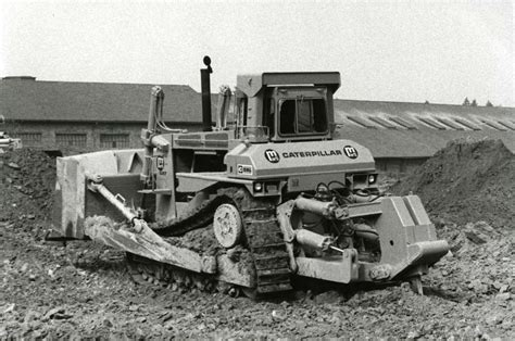 tracking the history of crawler loaders dozer story id 31126 construction equipment guide