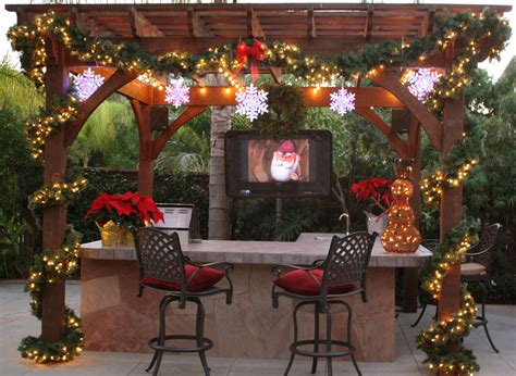 stunning pergola  gazebo christmas decorations