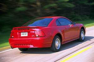 Ford Mustang Specs  U0026 Photos