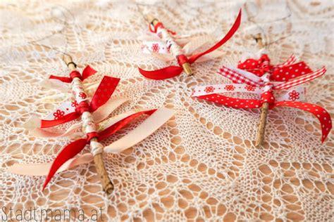 weihnachtsbaumschmuck basteln mit kindern weihnachtsbaumschmuck mit kindern basteln 5 einfache ideen f 252 r kinder ab 3 jahren stadtmama at