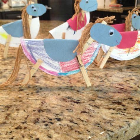 best 25 rodeo crafts ideas on cowboy crafts 718 | 3c284873eabbbce20b8bd042be603e1d horse art rodeo crafts