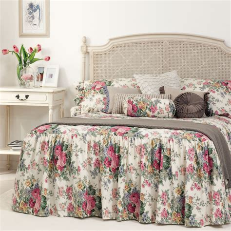 Gainsborough Rosewood Skirted Bedspread