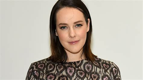 Hunger Games Star Jena Malone Gives Birth To Son Ode
