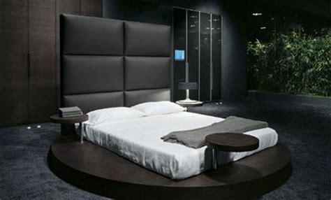 Presotto Zero Bed   a European luxury platform bed