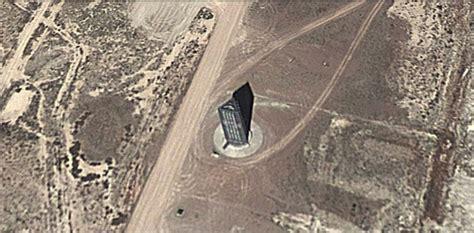 Illuminati Area 51 Estranha Torre Constru 237 Da Na 193 Rea 51