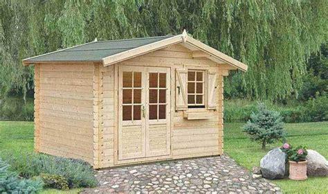 petit chalet en bois en kit petit abri de jardin en bois monter