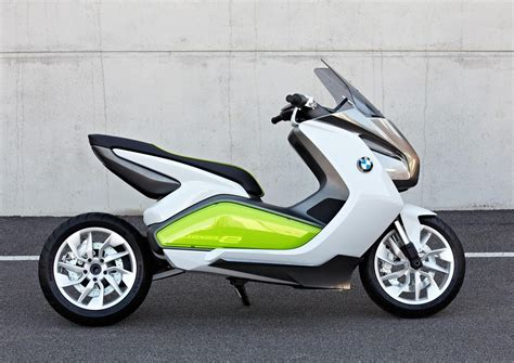 bmw concept  maxi scooter electric urban mobility