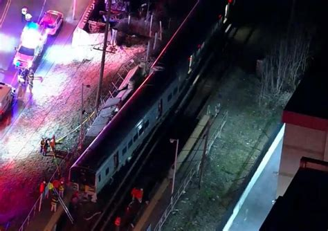 Heavy Delays Likely After Deadly Crash Of 2 Trains Into Car