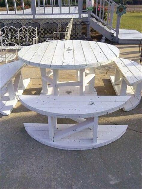 ideas  wooden spool tables  pinterest cable spool ideas wooden spools  diy