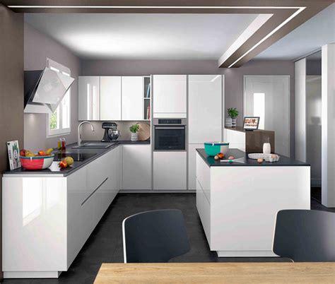 cuisine equipee en  ouverte sur salon ambiance moderne