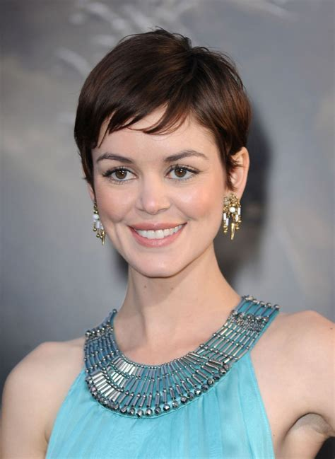cute celebrity haircuts   glamour