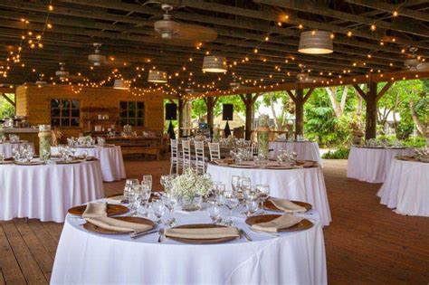 8 barn wedding venues in florida you ve never heard of
