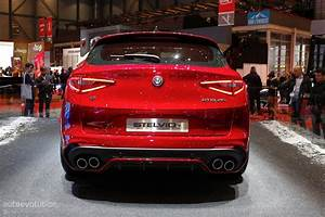 Stelvio Alfa Romeo : alfa romeo stelvio arrives in geneva in regular and quadrifoglio forms autoevolution ~ Gottalentnigeria.com Avis de Voitures