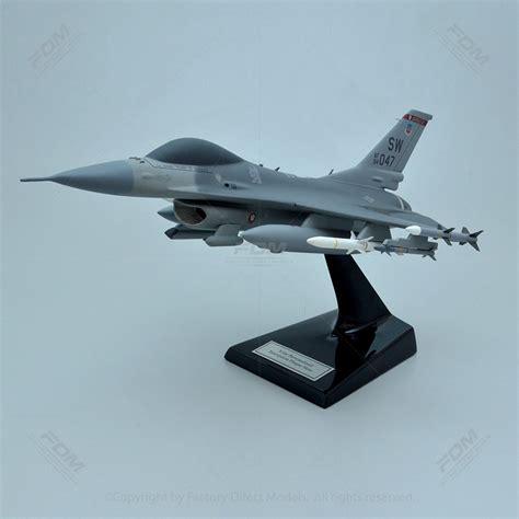Lockheed Martin F-16c Fighting Falcon Model