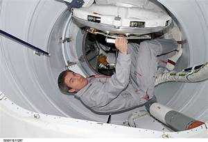 Space Station Hatch - Pics about space
