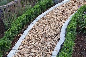Garten Mit Steinen Anlegen : gartenwege gestalten 22 kreative beispiele ~ Bigdaddyawards.com Haus und Dekorationen