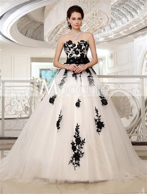 robe de mariage noir et blanche robe de mari 233 e blanche et bustier princesse sur