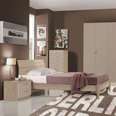 Berto offre una vasta gamma di letti moderni su misura, disponibili anche con box contenitore e realizzati con materiali di altissima qualità. Letti Moderni Arredamenti Casa Italia