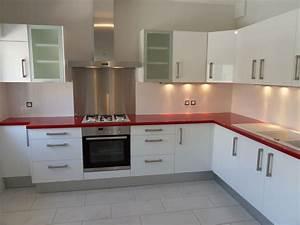realisation 5 moble With plan de travail cuisine rouge
